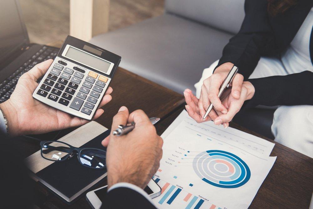 Finanzprofi hilft Unternehmensgründer bei Finanzplanung